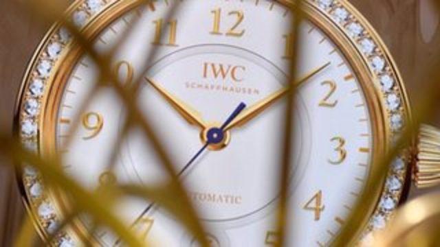 Paris'te Japon iş adamının kolundan 830 bin dolarlık saati çalındı