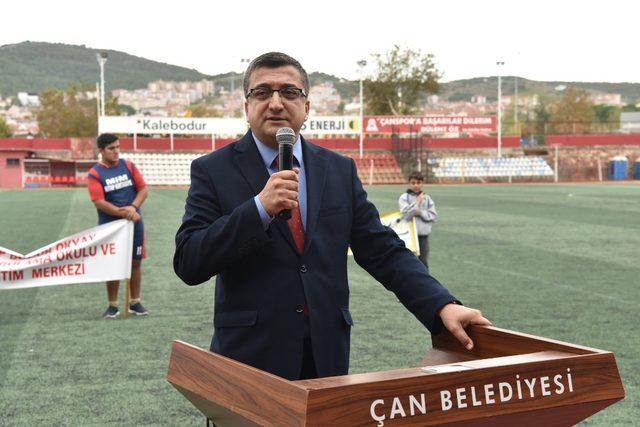 Başkan Öz, sporla ilgilenen gençlerle yakından ilgi gösteriyor