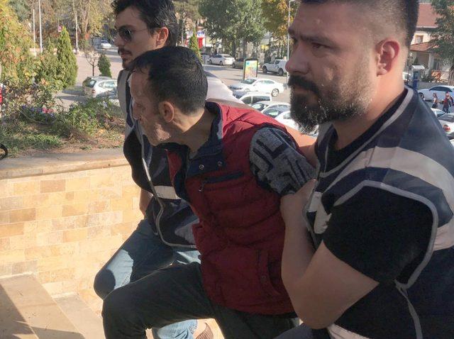 Yüz nakilli Recep Sert, silahlı saldırıdan gözaltına alındı - Yeniden