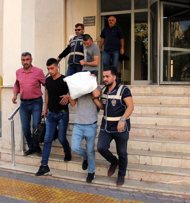 Hırsızlık hükümlüleri, kovalamaca sonucu yakalandı