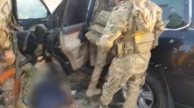 SMO, 'Dur' ihtarına uymayan aracın sürücüsü PKK/YPG şüphelisini etkisiz hale getirdi