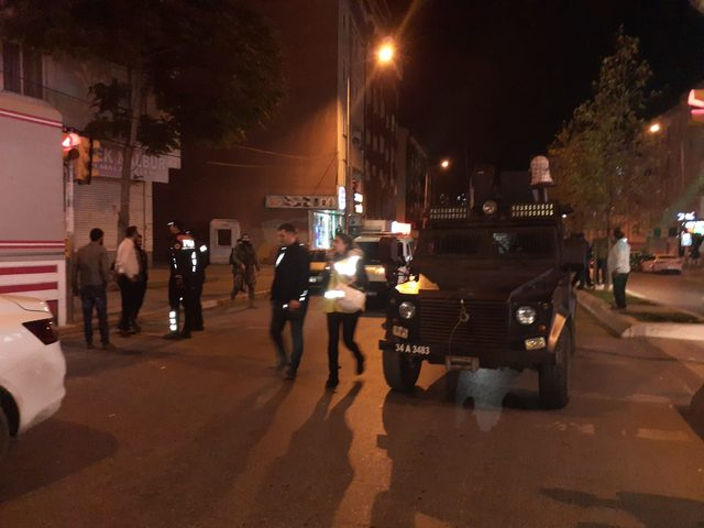 Esenyurt'ta cezaevi firarisi polisle çatıştı: 2 yaralı (1)
