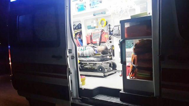 Köpeğe çarpmamak için direksiyonu kırınca kaza yaptı: 5 yaralı