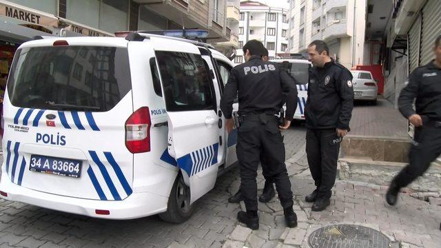 Altında saklandığı aracın alarmı çalınca yakalandı