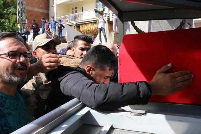 Şehit Uzman Onbaşı Mesut Çelik, Adıyaman'da toprağa verildi