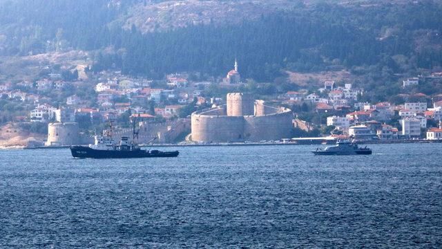 Çanakkale Boğazı'ndan 2 Rus savaş gemisi geçti