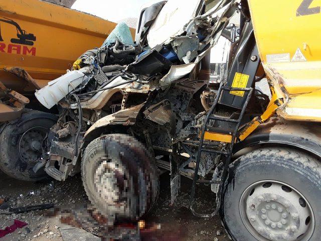 TIR'la çarpışan kamyonun sürücüsü öldü