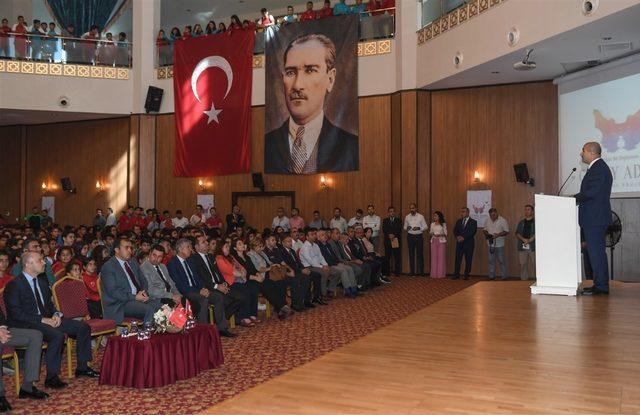 Vali Demirtaş, öğrencilerle buluştu