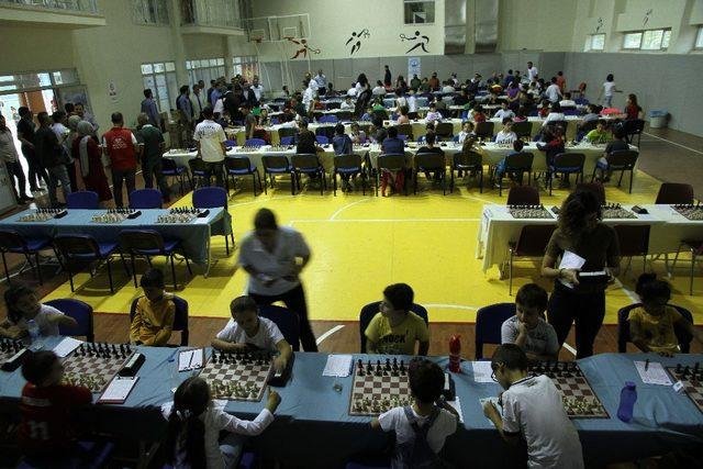 Kızıltepe'de Cumhuriyet Bayramı için satranç turnuvası düzenlendi ile ilgili görsel sonucu