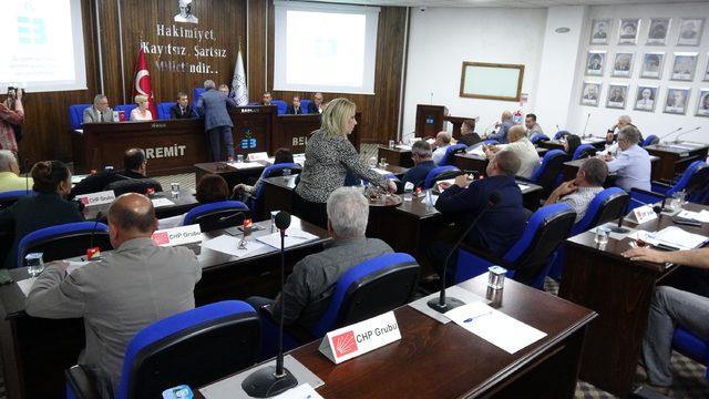 Edremit Belediye Meclisi'nde 'harami' gerginliği