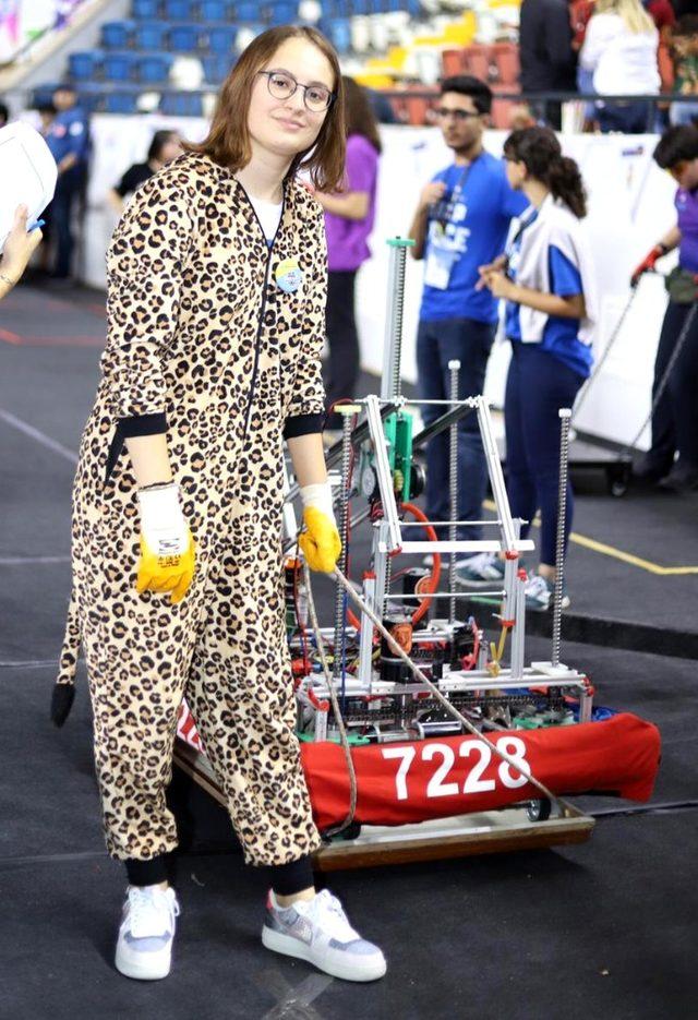 FRC Liseler Arası Robotik Turnuvası renkli görüntülere sahne oldu