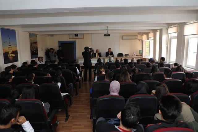 "Başkan Palancıoğlu:""Hayatta kimin donanımı iyiyse o başarılı olur"""