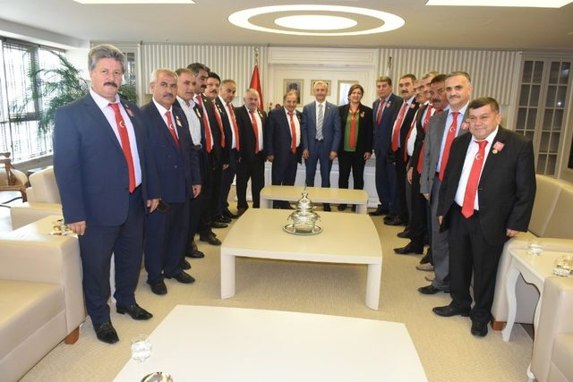 Başkan Tahmazoğlu Muhtarlar gününü kutladı