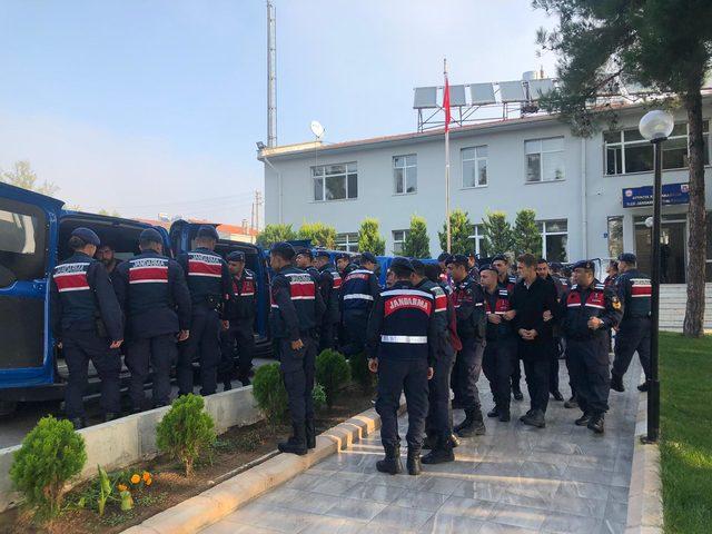 Çanakkale'de göçmen kaçaklığına 8 tutuklama