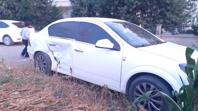Adıyaman'da iki otomobil çarpıştı: 2 yaralı