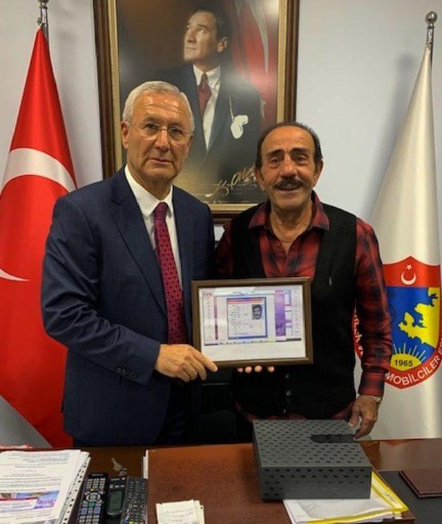 Mustafa Keser 10 yıl taksicilik yaptığı İzmir'de nostalji yaşadı