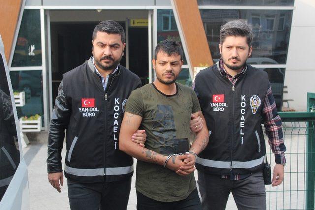 1 ayda 700 bin TL'lik vurgun yapan sahte polisler tutuklandı