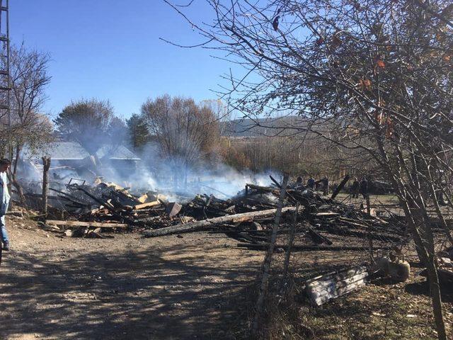 Kastamonu'da bir ev yandı