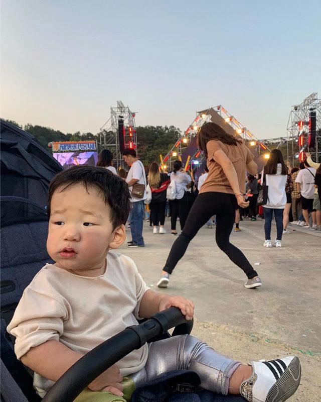 korean-actress-mom-private-life-12-5dc3d984ddbb7__700