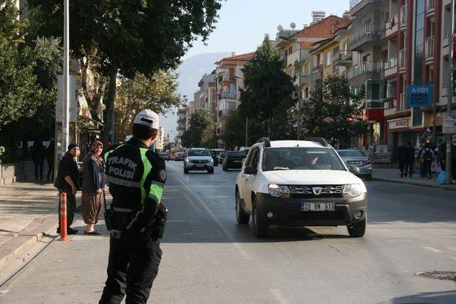 Emniyet Müdürlüğü ekipleri 7 günde  27 bin 714 araç kontrol etti