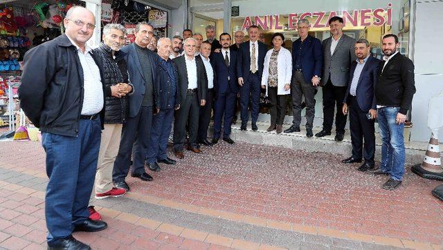 Büyükakın, İzmit'te vatandaşlarla buluştu