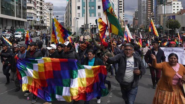 Morales'in en büyük destekçileri arasında yerli gruplar yer alıyor