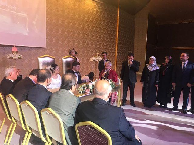 AK Parti Isparta İl Başkanı Zabun, Avukat oğlunu evlendirdi
