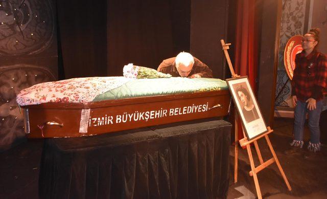 usta-tiyatrocu-ile-ilgili-gercek-cenazesinde-ortaya-cikti-_4184_dhaphoto2