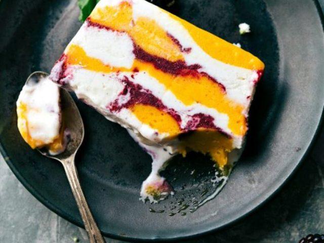 Yaz Güzeli: Karışık Meyveli Dondurma