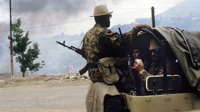 Ermeni askerleri 1992'de Dağlık Karabağ bölgesine doğru harekete geçti