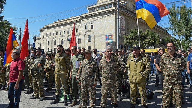 Ermenistan'da 27 Eylül'de sıkıyönetim ilan edildi.