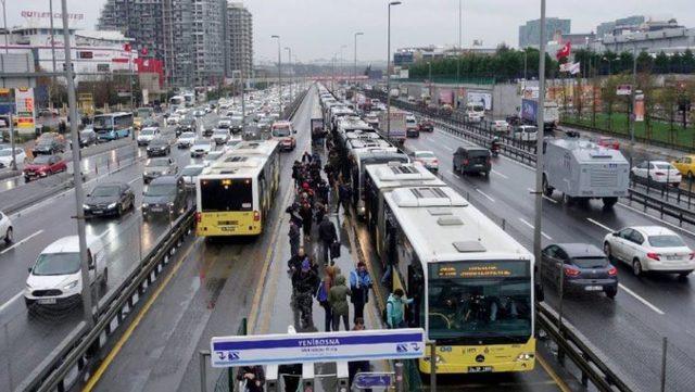 29 Ekim'de istanbulda toplu taşıma araçları ücretsiz