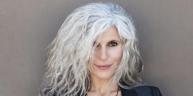 Stresli Hayatın Kurbanı Olan Beyaz Saçları Yok Edecek En Etkili çözümler