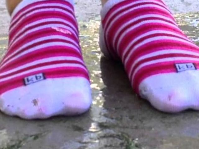 Ninelerimiz bu kez yanıldı: Islak çorap giymenin inanılmaz faydaları