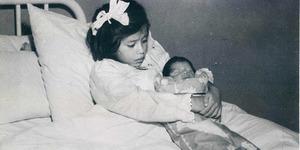 5 yaşında küçük bir çocukken anne olan Lina'nın akıl almaz hikayesi