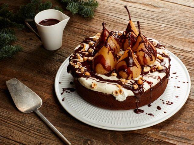 Çikolata Soslu Armutlu Kek