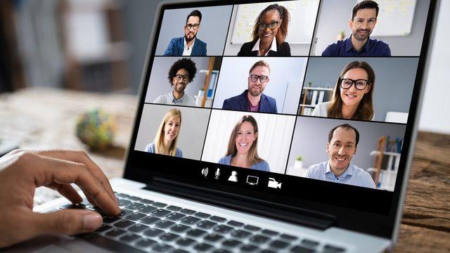 WEF anketine katılan işverenlerin yaklaşık yüzde 84'ü, tele çalışmayı da kapsayacak şekilde iş süreçlerini hızla dijitalleştirmeye hazır olduklarını söylüyor.