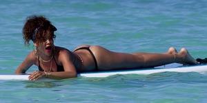 Çılgın moda akımı plajları ve festivalleri kasıp kavuruyor: Tanga bikiniler!