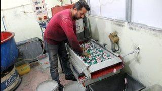 Tek makineyle başladı, şimdi Türkiye'ye satıyor!