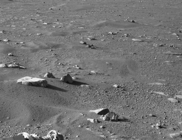 PIXL cihazındaki kamera da kayaların ve toprağın yapısını incelemeye yarayacak görüntüler kaydediyor.