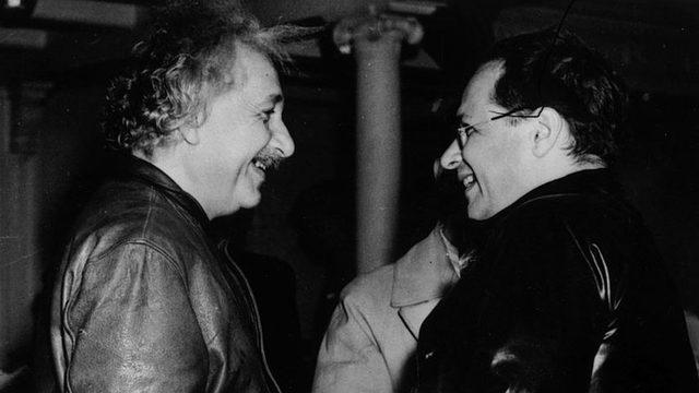 Albert Einstein ve oğlu Hans Albert, New York, 1937 - ikisi de kariyerine ABD'de devam etti