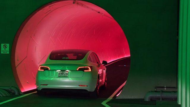 Tesla'nın elektrikli araç konsepti yatırımcıların ilgisini çekiyor.