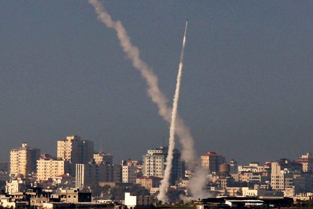 Bazı kaynaklar Filistinli örgütlerin sahip olduğu toplam roket sayısını 30 bin olarak tahmin ediyor.