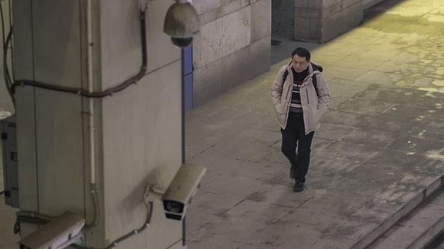 Gazeteci Hu Liu hayatının her anının gözetlendiği hissine kapıldığını söylüyor.
