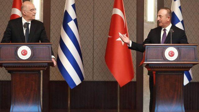 Dendias ve Çavuşoğlu, 16 Nisan'daki ziyarette kameralar önünde tartışmıştı.
