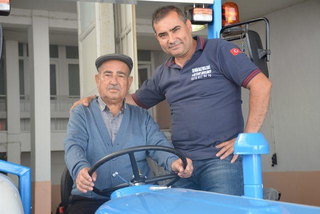 babasinin-ihtiyactan-sattigi-traktoru-35-yil-sonra-geri-aldi_1006_dhaphoto2