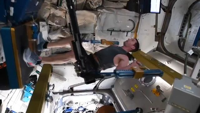 shared-image-french-astronaut-exercise-in-space_4575_dhaphoto3