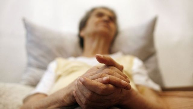 Alzheimer için Yeni Göz Testi