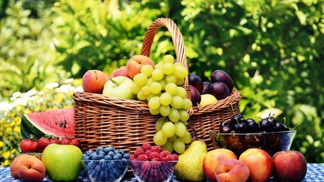 Yaz aylarında su oranı yüksek meyvelere dikkat!