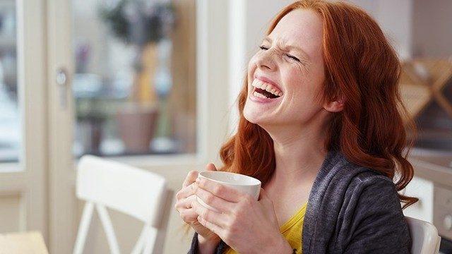 Aşırı gülmek depresyonu tetikleyebilir